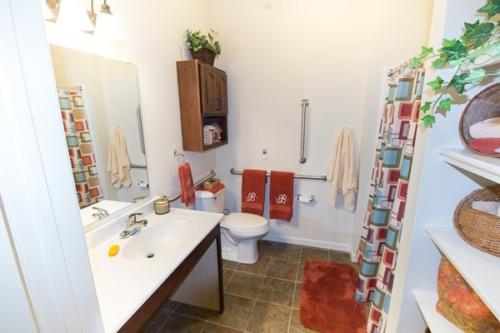 NRVCommons-0894_AL-Bathroom-1-min